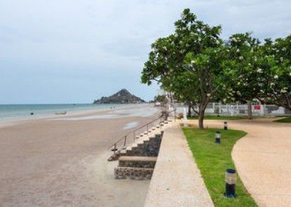 Baan TiewKlurn Beachfront Condomium
