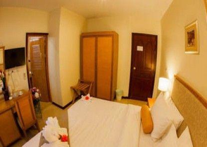 Babylon Palace Hotel