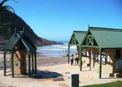 Backpacker Beach Hostel