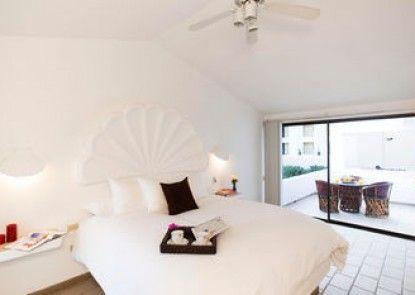 Bahia Hotel & SUR Beach House