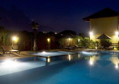 Bali Ayu Hotel & Villas Kolam Renang