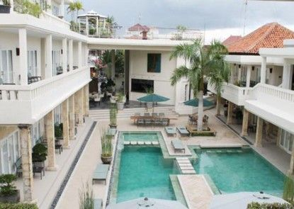 Bali Court and Apartment Teras