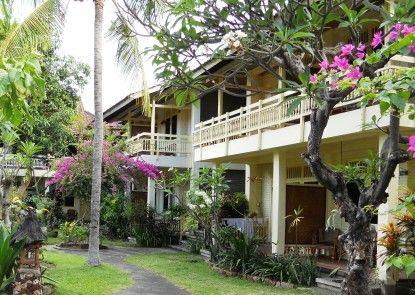 Bali Lovina Beach Cottages Eksterior