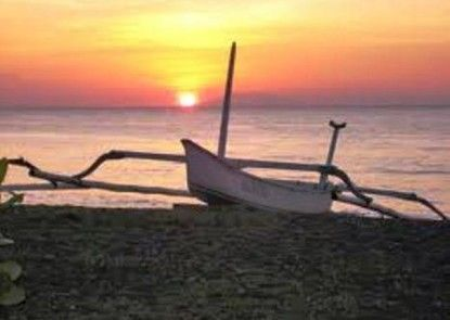 Bali Lovina Beach Cottages Pantai
