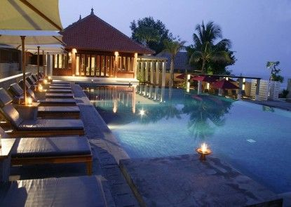 Bali Niksoma Boutique Beach Resort Kolam Renang