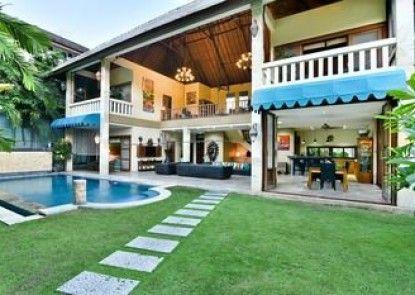 Bali Mystique Hotel and Apartments Teras