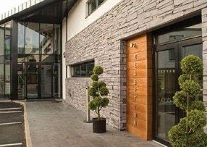 Ballyrobin Country Lodge Teras