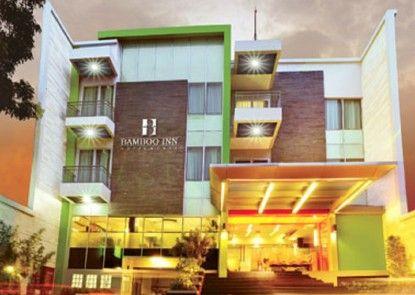 Bamboo Inn Hotel & Cafe Eksterior