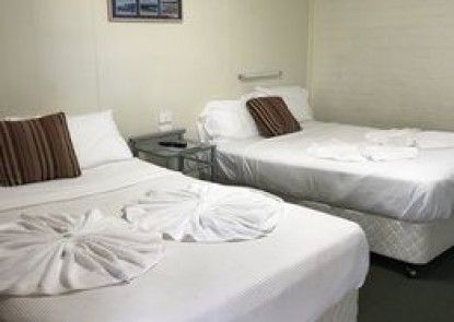 Bananatown Motel