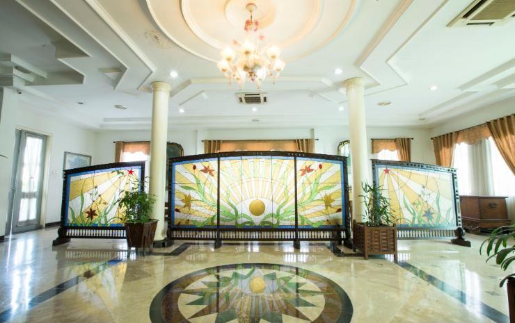 Bandar Narita Hotel Solo, Solo