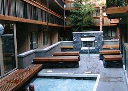 Banff Aspen Lodge Teras