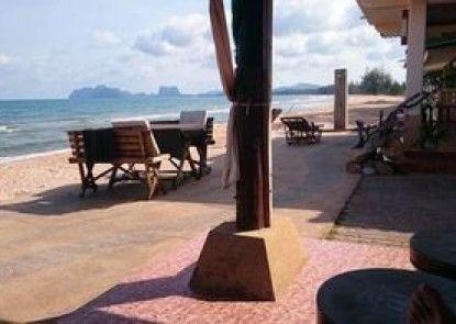 Bang Boet Bay Beach Resort