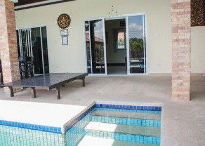 Ban Steven Pool Villa Cha Am