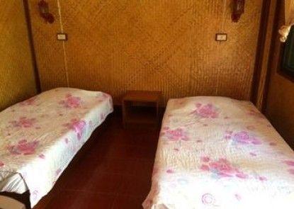 Ban Suan Klang Muang Resort