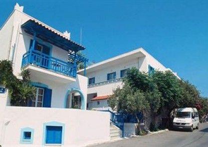 Barbouni Hotel & Studios