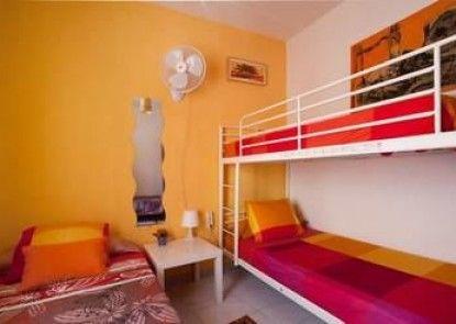 Barcelona Nice & Cozy Guest House