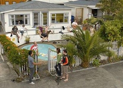 Base Bay of Islands - Hostel