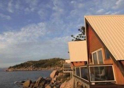Base Magnetic Island Hostel
