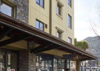 Base Queenstown - Hostel/Backpacker