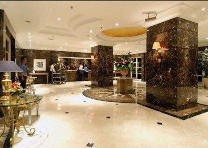 Batavia Apartments Service Residence Lobby