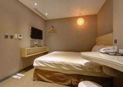 Bayman Hotel