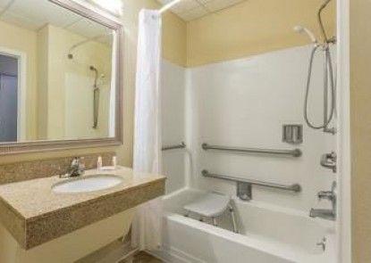 Baymont Inn And Suites Cornelia
