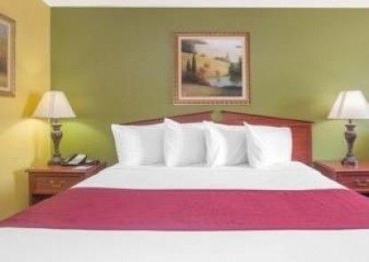 Baymont Inn and Suites Dublin, GA