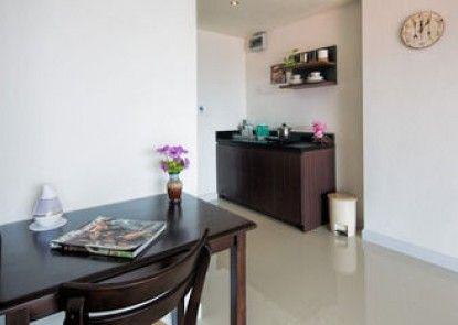 Bayshore Oceanview Apartment F11-F12