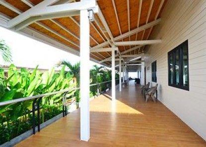 Baywalk Residence Pattaya By Thaiwat