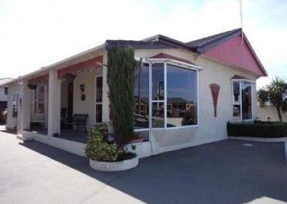 Baywatch Motor Lodge