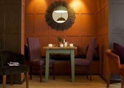 Bear of Rodborough Hotel