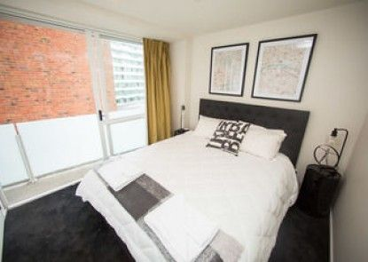 Beautiful Sunny Two Bedroom Apartment