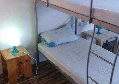 Bed and Bike Backpacker Studio - Hostel