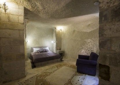 Bedrock Cave Hotel -Adults Only