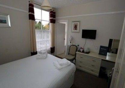 Beechwood Close Hotel