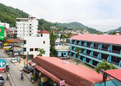 Beehive Magenta Patong Hostel