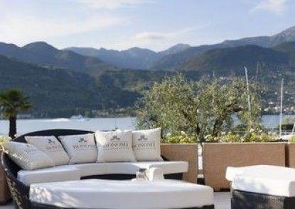 Bella hotel & Restaurant