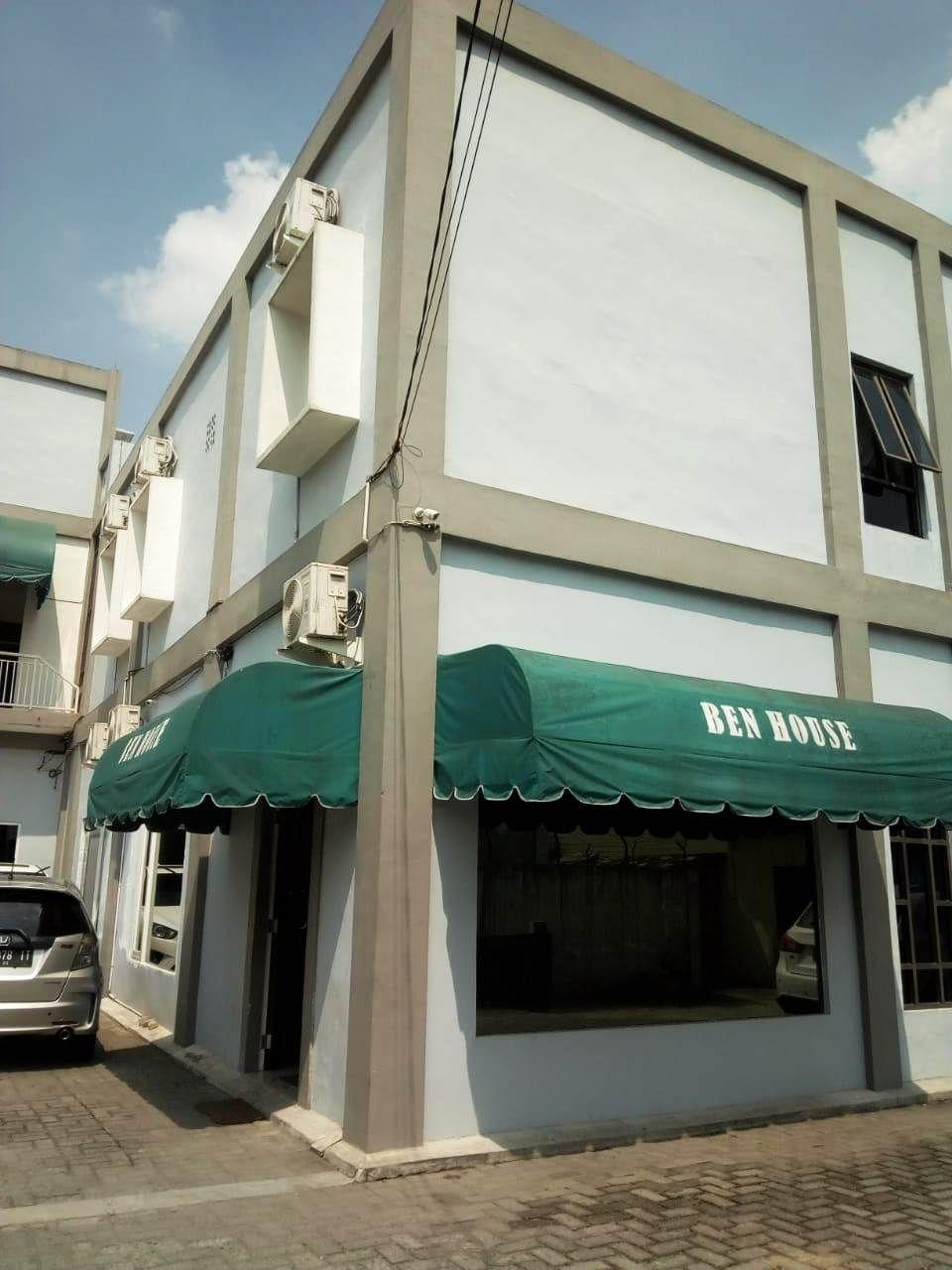 Ben House, Medan