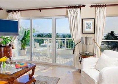 Bentley Hotel South Beach Teras