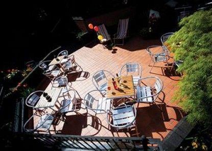 Best Western Forest Hills Hotel Teras