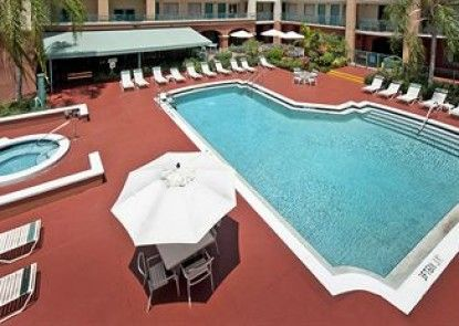 Best Western Plus Deerfield Beach Hotel & Suites Teras