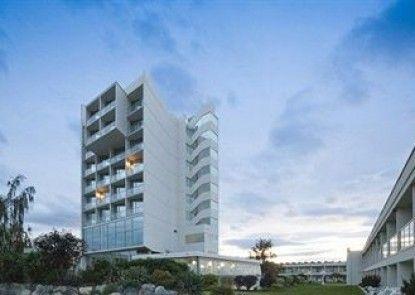Best Western Plus Kelowna Hotel & Suites Teras