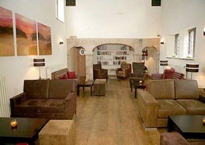 Best Western Plus Mosborough Hall Hotel Teras