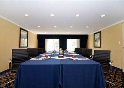 Best Western Plus Regency Inn & Conference Centre Teras