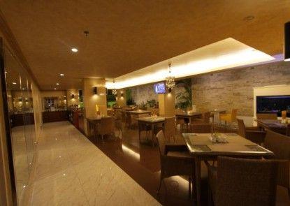 Best City Hotel Rumah Makan