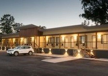 Best Western New Crossing Place Motel