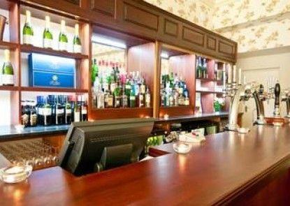Best Western Oaklands Hall Hotel