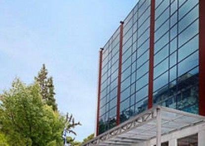 Best Western Plus Embassy Hotel
