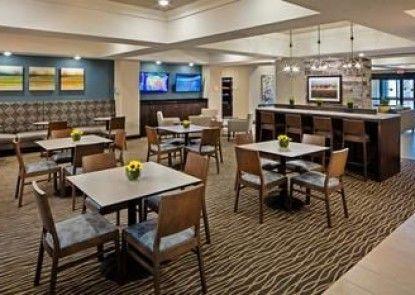 Best Western Plus Overland Inn