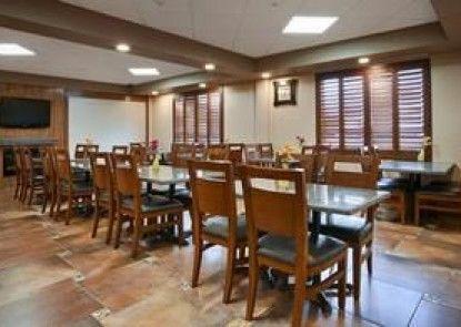 Best Western Plus Redwater Inn & Suites